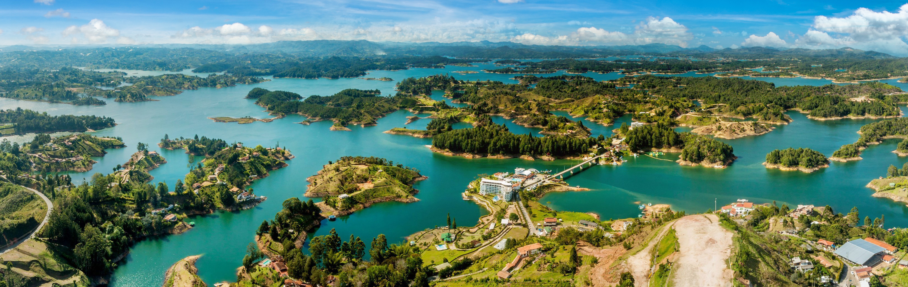 Colombia Tour - Stunning landscape in Guatape