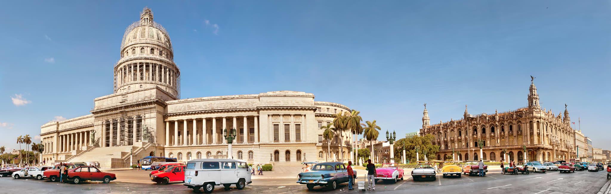 Cuba Tour - Havana El Capitolio and Vintage Cars