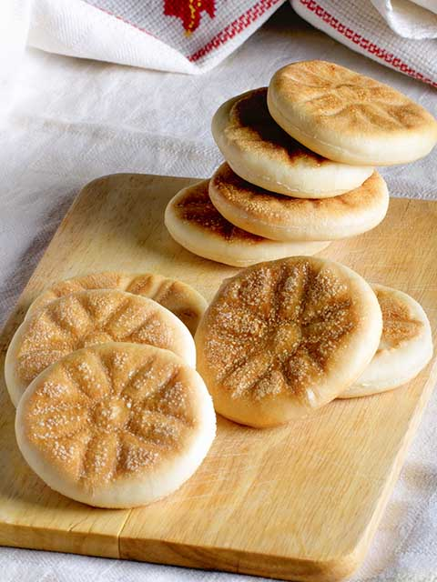 Tigella, also known as crescentine, a typical flatbread from the Apennines.
