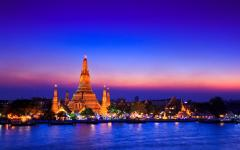Wat Arun Temple at sunset in Bangkok, Thailand.
