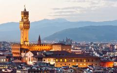 The Palazzo Vecchio in Florence, Italy at dawn | The town hall of Florence