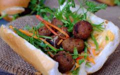 Bahn mi sandwitch, Vietnam.
