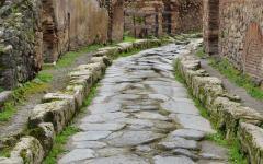 Narrow stone pathway in Pompeii, Italy
