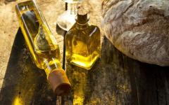 Olive oil tasting.