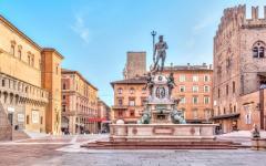 Piazza Del Nettuno square, Bologna.