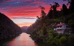 beautiful sunset in launceston tasmania