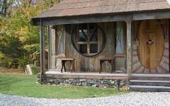 Barlimans, New Zealand's only Lord of the Rings themed accommodation - Minaret Lodge.