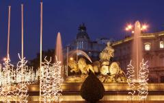 spain madrid cibeles fountain lit up at night