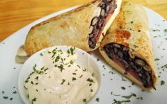 Dining at Cafe del Barista. Photo: Courtesy Cafe del Barista