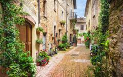 A beautiful street in Pienza, Italy.