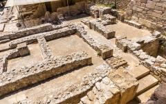 The ruins of a labyrinth stone-design at the Palace of Knossos | Crete, Greece