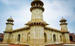 Itmad ud daulahs tomb in agra India