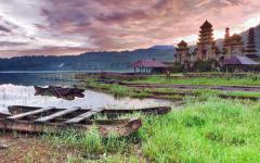 Komala Tirta Temple on Tamblingan Lake.