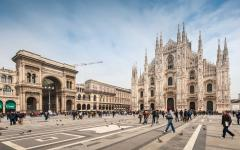 Piazza del Duomo, the main piazza of Milan, Italy.