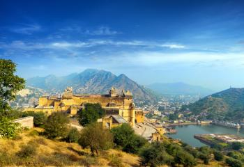 A view of the Amber Fort in Jaipur, Rajasthan.
