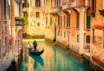 Luxury Italy Honeymoon Romantic Travel Tours Italy Vacation - 8 romantic places to visit on your honeymoon in italy