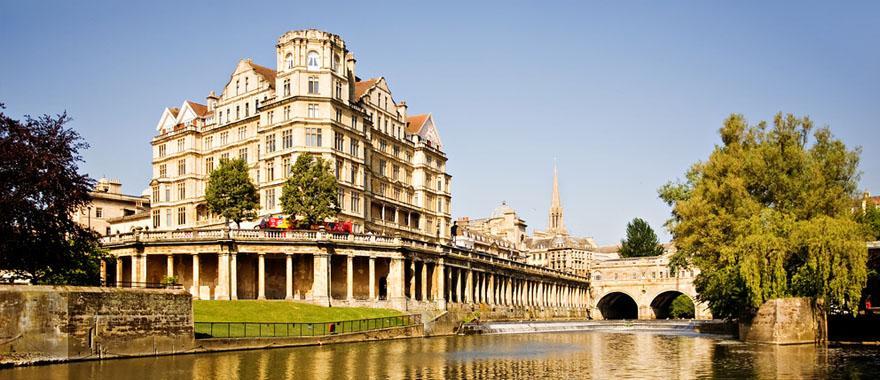 London paris barcelona tour in 14 days zicasso for Tour de barcelona a paris