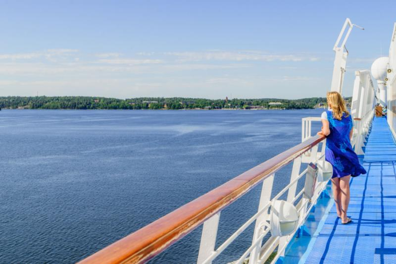 Scenic cruise off the shores of Stockholm