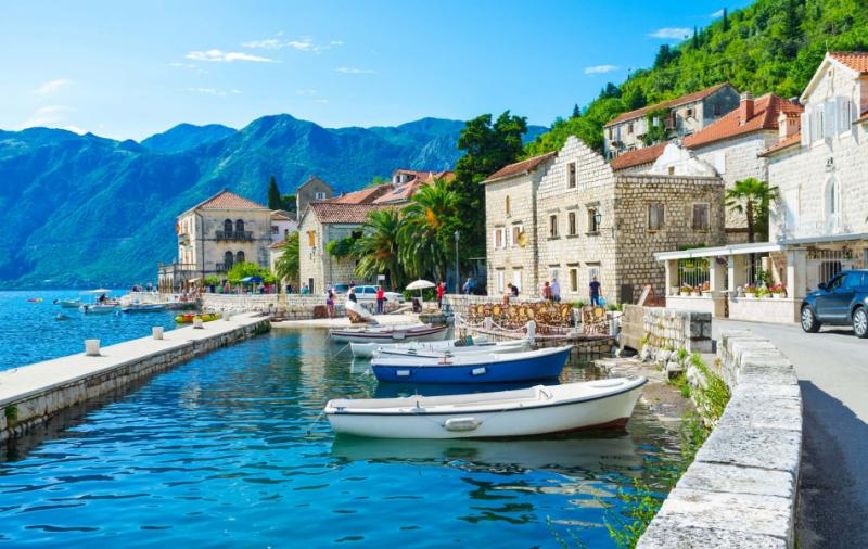 The tiny port in the city centre of Perast.