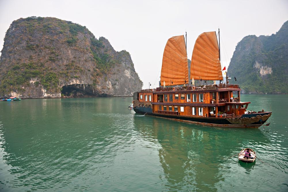 Vietnam & Cambodia Tour Review: Hanoi, Ha Long Bay, Ho Chi ...