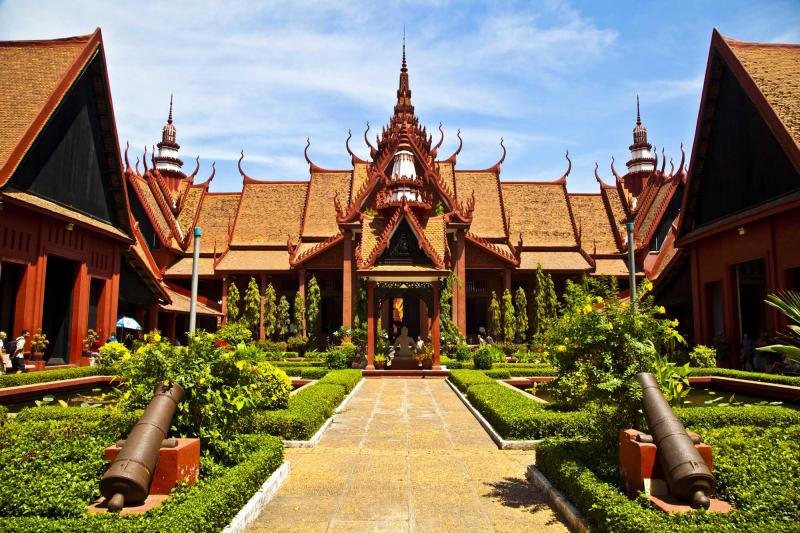 The mekong adventure tour to thailand cambodia laos for Architecture khmer