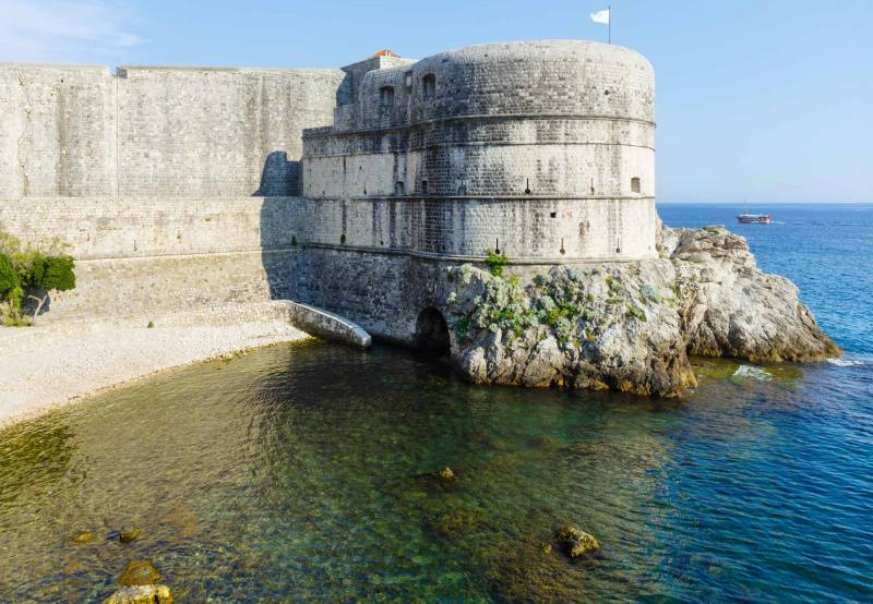 Game of thrones tour of croatia zicasso dubrovnik summer fortress view lovrijenac tower on rock and clear water of adriatic sea solutioingenieria Images