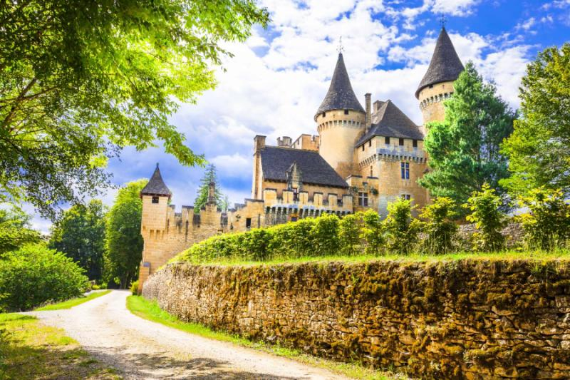 Best places to visit in france tour paris loire valley for Castles to stay in france