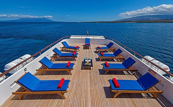 Vip Galapagos Small Boat Tour Cruising In Luxury Zicasso