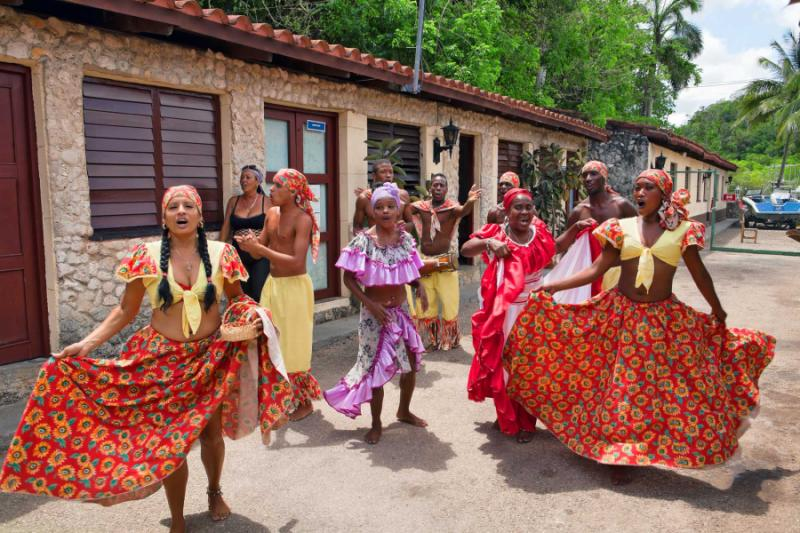 Festive Cuba Jazz Amp Culture Tour Of Havana Zicasso