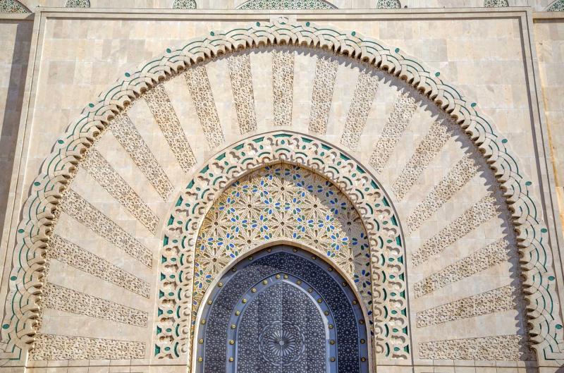 http://www.zicasso.com/sites/default/files/styles/original_scaled_down/public/photos/tour/morocco_casablanca_door_on_the_mosque_hassan_ii.jpg