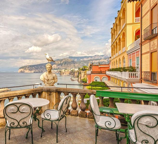 Roman Vacations: Culture Of Southern Italy Tour: Naples, Sorrento, Capri