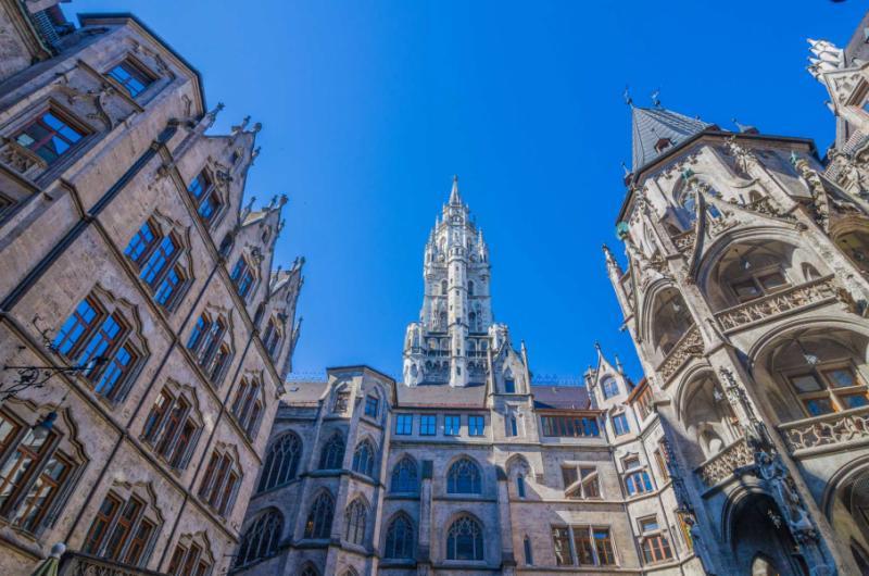 Travel review european family tour germany france for Tour de barcelona a paris