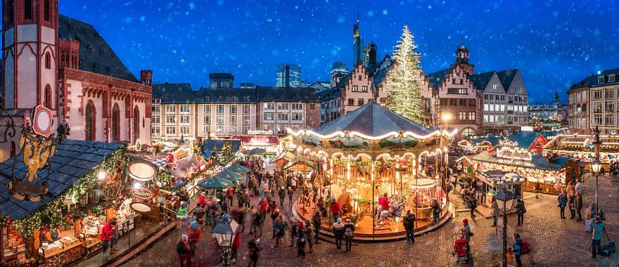 Christmas market on the Frankfurt Römer, Frankfurt, Hesse, Germany