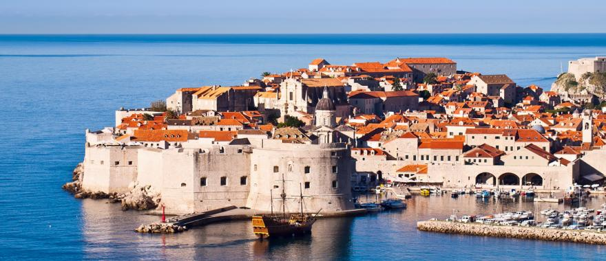 The Old City of Dubrovnik is an UNESCO World Heritage Site because of its well-preserved fortress walls.