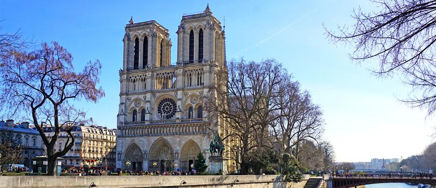 an experience on a tour to notre dame in paris france Private tour of notre dame & eiffel tower with private official tour guide  tour of  cathedral of notre dame and eiffel tower of paris and enjoy their two of its   know france's most important city and its great capital in this experience with  your.