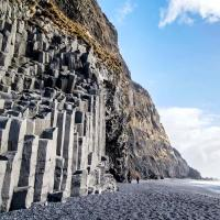 The black sand beach of Reynisfjara and the mount Reynisfjall