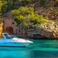 Travel review spain vacation madrid barcelona mallorca for Kenay home mallorca